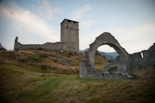 Ruine Steinsberg in Ardez